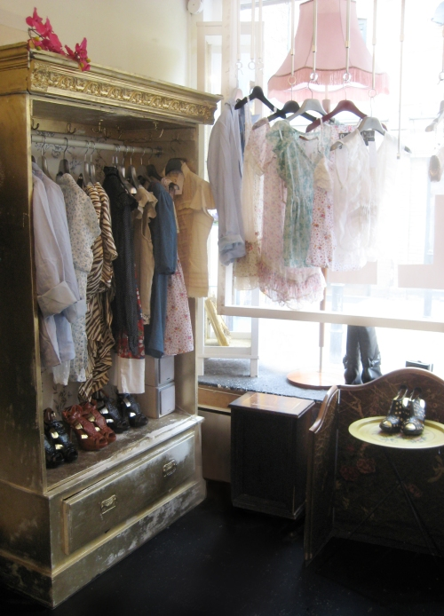Mags and Pye Boutique Interior2